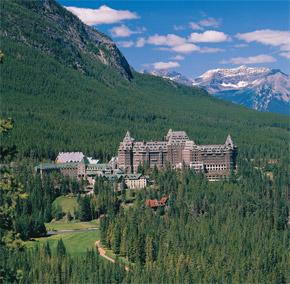 Fairmont hotel je neodmysliteľnou súčasťou Banffu.