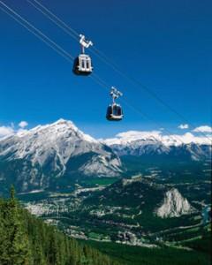 Lanovka na vrchol Sulphur Mountain v Banffe.
